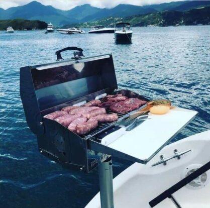 PrimeShare - Boat Experience - Passeios de Lancha em Ilhabela - Churrasco à bordo