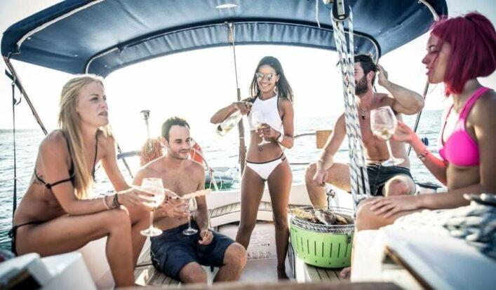 PrimeShare - Boat Experience - Passeios de Lancha em Ilhabela - Passeio de barco em turma