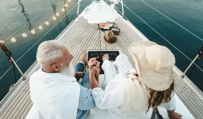 PrimeShare - Boat Experience - Passeios de Lancha em Ilhabela - Passeio Romântico