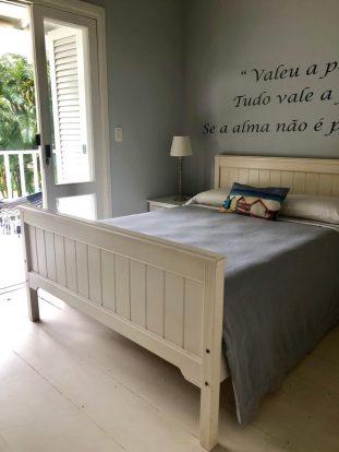 Casa à venda com porteira fechada em Ilhabela - Sérgio Hette Imóveis em Ilhabela